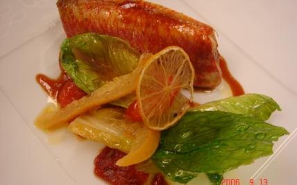 Le rouget farci à la moelle et ail rose, confit de légumes à la lavande - Photo par bzhquem
