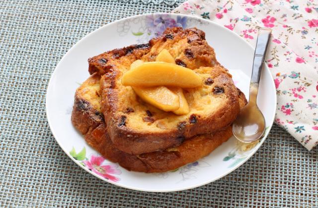 Panettone façon pain perdu aux pommes poêlées - Photo par Silvia Santucci