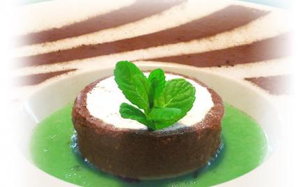 Délicieux à la crème de marron, amandes et cacao, émulsion de menthe fraîche - Photo par aleche