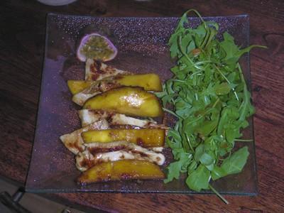 Salade tiède de poulet à la mangue et au fruit de la passion - Photo par delphiKP