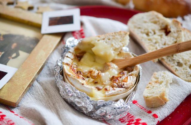 Camembert rôti aux noix - Photo par Les Nouveaux Fromagers