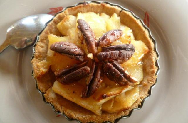 Tartelettes à la compotée pommes - coings pâte sucrée à l'amande - Photo par Le cri de la courgette...