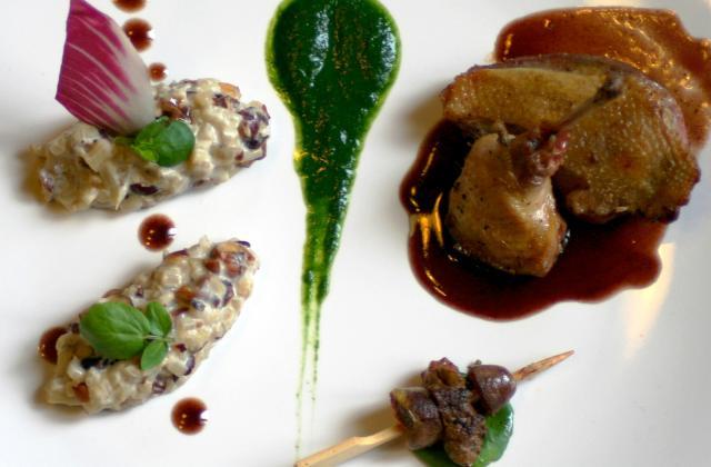 Pigeon rôti et son jus réduit au cassis, fricassée de blettes aux noisettes - Photo par Cédric de Coquillettes et Crustacés