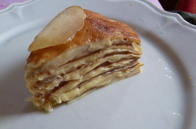 Gâteau de crêpes poire-crème vanillée - Photo par Un macaron, une glace, deux chocolatines