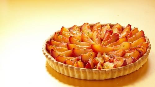 Tarte aux nectarines et pistaches concassées - Photo par Herta