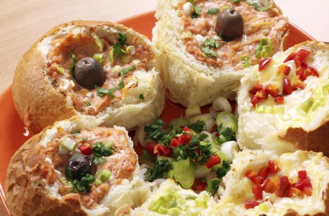 Petits pains farcis aux œufs et fromage - Photo par Bérengère