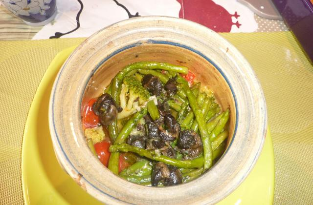 Cocotte d'escargots de Bourgogne aux légumes - Photo par saraau
