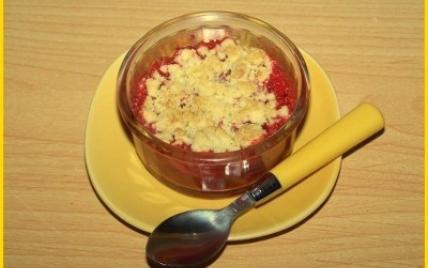 Crumble aux fraises et rhubarbe - Photo par biscottine