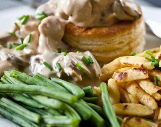 Bouchées à la Reine, au poulet, champignons et  Bresse Bleu - Photo par Quiveutdufromage.com