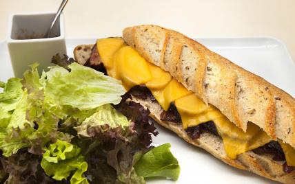 Sandwich magret de canard et cheddar par Dominique Saibron - Photo par 750g