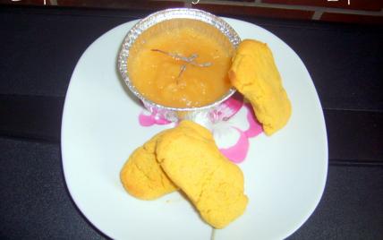 Compote d'abricots au thym et ses sablés de Lupin - Photo par adelinaK