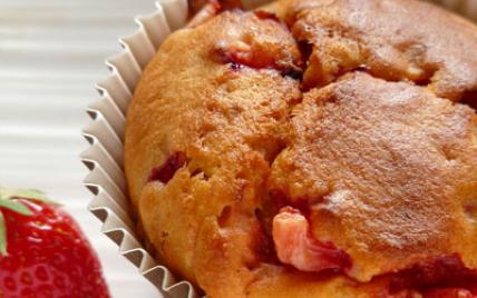 Muffins à la tomate, fève Tonka & fraises - Photo par Carole Alter Gusto