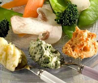 Panaché de légumes vapeur aux trois beurres composés - Photo par 750g