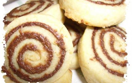 Biscuits roulés au chocolat noir & praliné - Photo par chouya