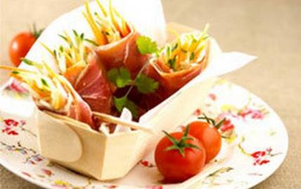 Nem de jambon sec, julienne de légumes et anchoiade - Photo par Le Porc