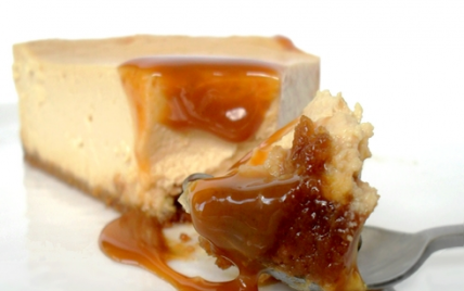 Cheesecake à la confiture de lait & éclats de caramel - Photo par mathildee