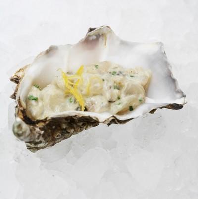 Tartare de bar aux huîtres et au caviar Prunier par Eric Coisel - Photo par EricCoisel