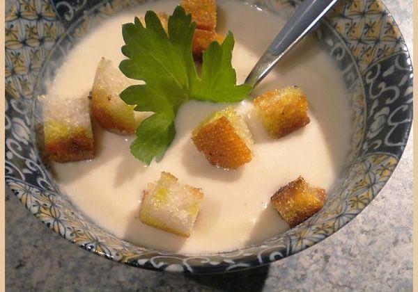 Potage Dubarry ou crème de chou-fleur - Photo par La petite cuisine de Sabine