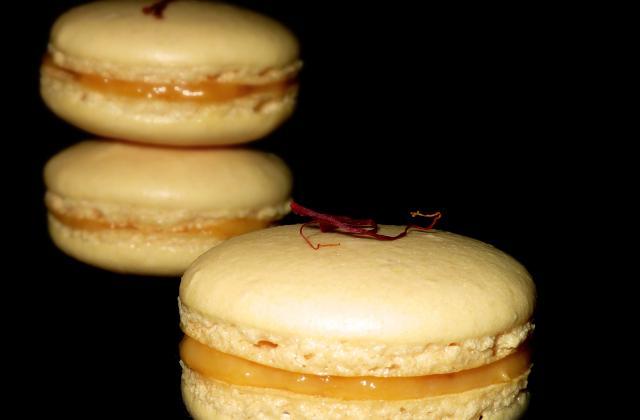 Macarons abricot et safran - Photo par les gourmandises de chloe