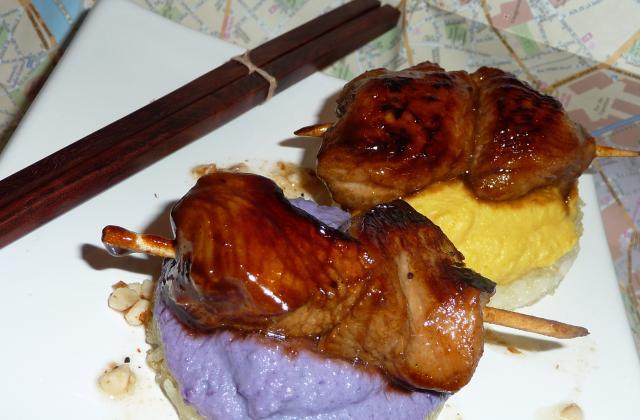 Yakitoris de veau shichimi, galettes de riz aux deux mousselines - Photo par benoitE9w