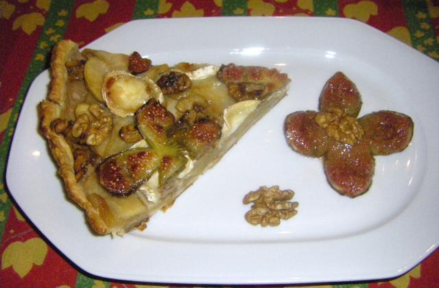 Tarte pommes figues noix et chêvre - Photo par christaneg