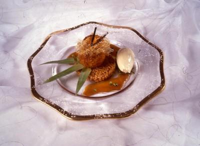 L'ananas rôti au caramel d'épices, riz de Camargue soufflé - Photo par 750g