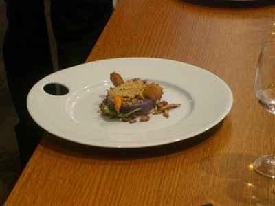 Ecrasé de vitelotte et saumon en croûte de parseman et noisette façon parmentier - Photo par Sandrine Baumann