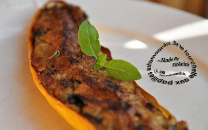 Courgettes gratinées farcies aux chénopodes, amandes, jambon et brousse - Photo par TitAnick
