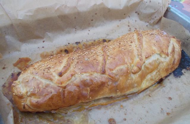 Filet mignon en croûte, confit d'oignon au vinaigre balsamique - Photo par heronv