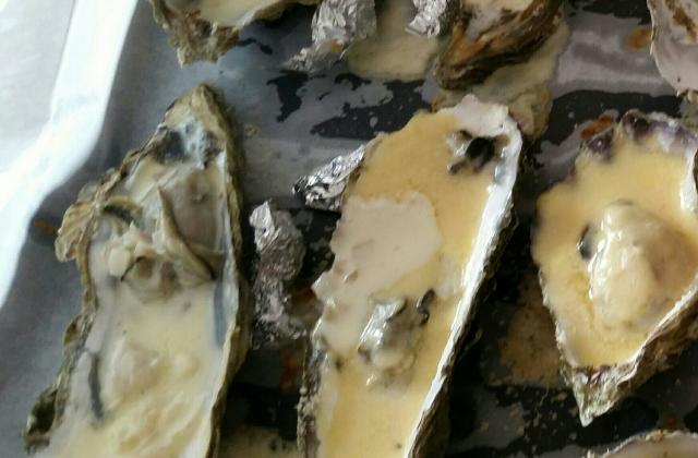 Huîtres chaudes gratinées au camembert - Photo par sandriEai