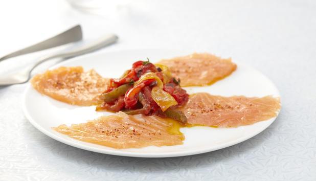 Carpaccio de saumon de Norvège au piment d'Espelette - Photo par tavall