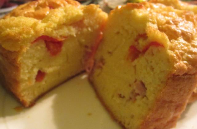 Cake jambon gruyère tomate - Photo par lehlou2405