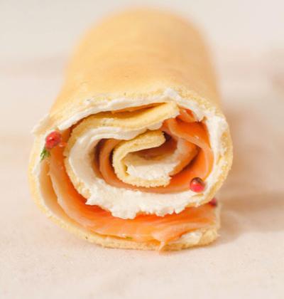 Roulé au saumon citronné à la crème de chèvre - Photo par Le comptoir des passionnés