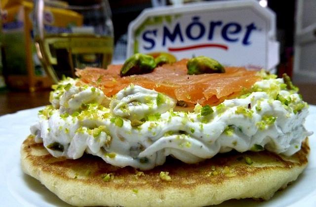 Blinis au St Morêt et saumon fumé - Photo par Ma Cuisine Maison