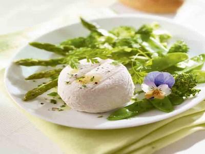 Salade de crottin de chèvre aux pois gourmands et brocolis - Photo par Rians