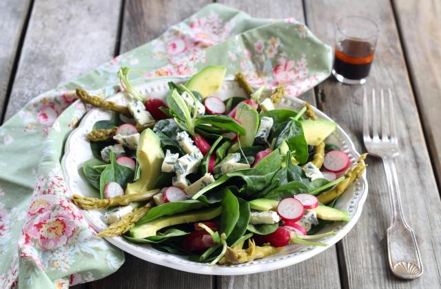 Salade aux asperges vertes et à la Fourme d'Ambert - Photo par Silvia Santucci