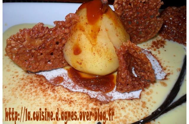 Poire pochée  à la crème de caramel  et ses croustillants au chocolat - Photo par agnes0209