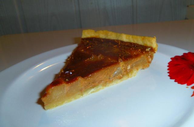 Tarte aux poires, carambars caramel et spéculoos - Photo par blandinde