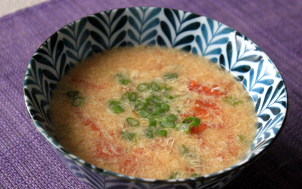 Soupe de tomate aux oeufs - Photo par Létitia Piment Oiseau