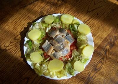 Salade de pommes de terre aux harengs - Photo par 750g