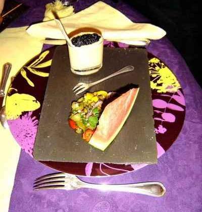 Pastèque et poivrons à la provençale, œufs brouillés à l'avruga - Photo par agnestriomp