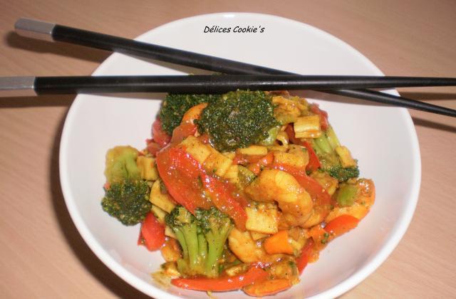 Poêlée de crevettes/surimi & ses légumes au curry - Photo par laura_cookie