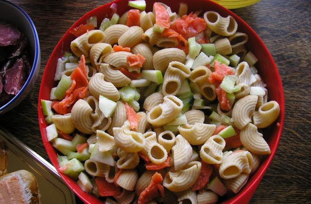 Salade de pâtes/concombre et pommes Granny - Photo par fannyk