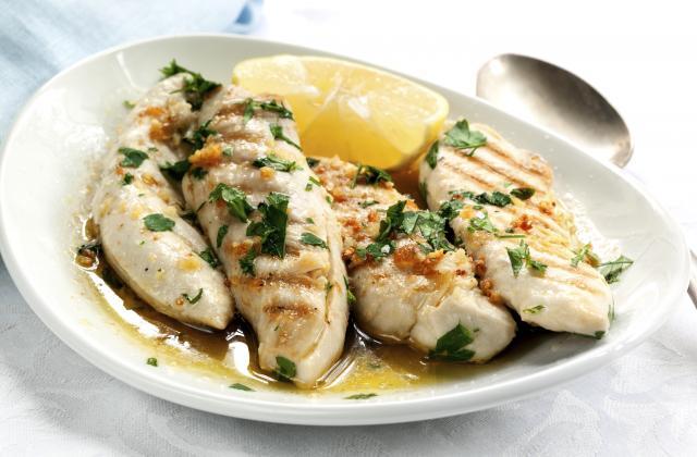Blancs de poulet à l'ail et au citron - Photo par 750g