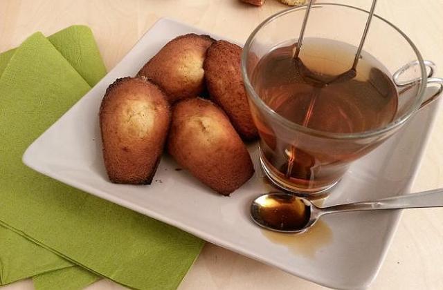 Authentiques madeleines de Commercy à la bergamote & au miel - Photo par ciboulette57