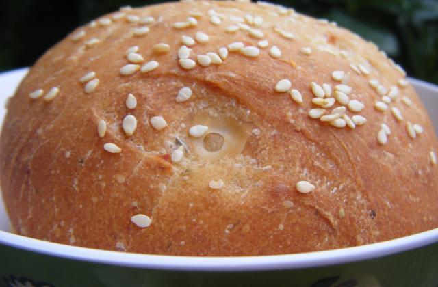 Petits pains aux tomates séchées et parmesan - Photo par annebetty