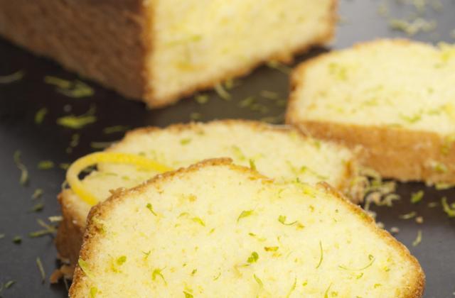 Cake moelleux aux citrons sans gluten - Photo par juliavro