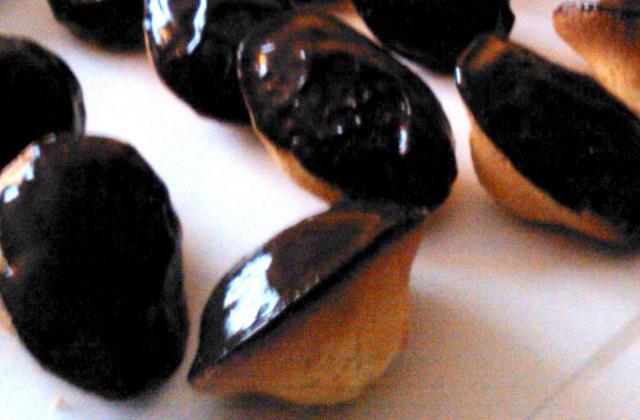 Madeleines enrobées de chocolat - Photo par carla3869
