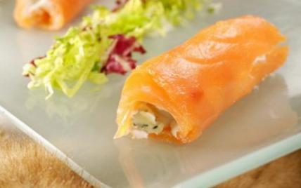 Mesclun de salades, saumon à la Russe et Fourme d'Ambert - Photo par La Fourme d'Ambert