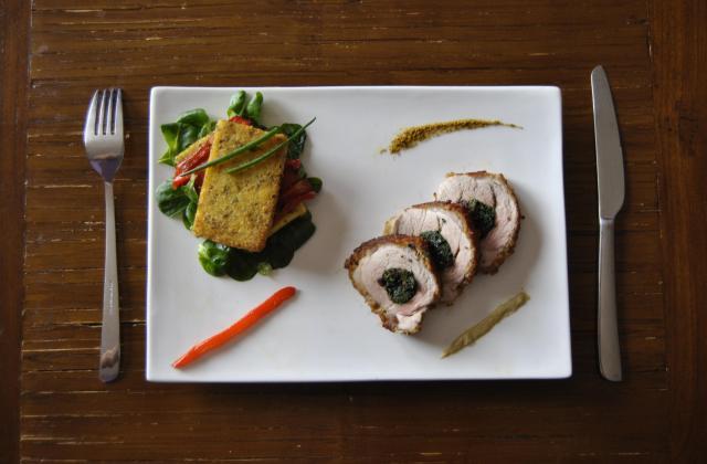 Mignon de porc, en croûte de Bayonne, fourré à cœur au braisé d'épinards - Photo par llarri